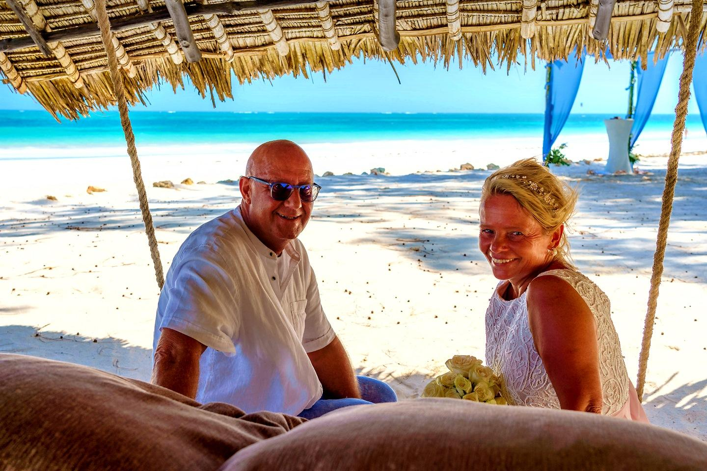 The Private Ocean Club - Galu 723 - Beach Wedding 11