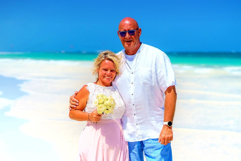The Private Ocean Club - Galu 723 - Beach Wedding 12