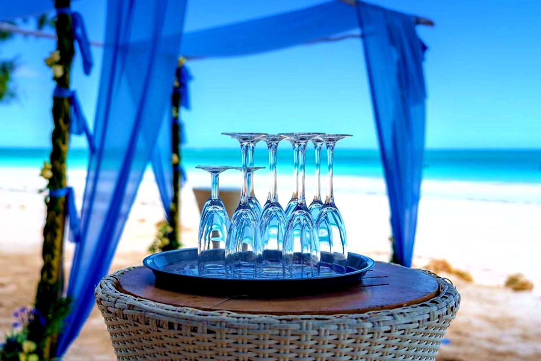 The Private Ocean Club - Galu 723 - Beach Wedding 17