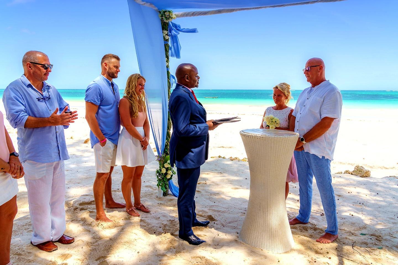 The Private Ocean Club - Galu 723 - Beach Wedding 2