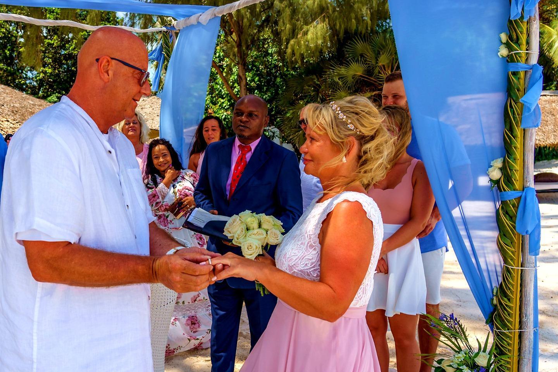 The Private Ocean Club - Galu 723 - Beach Wedding 5
